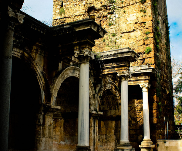 Hadrians_Gate_e2162f