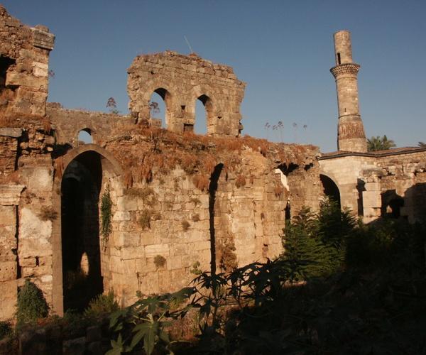 roman_basilika_with_kese_minaret_2_min.3_b47480