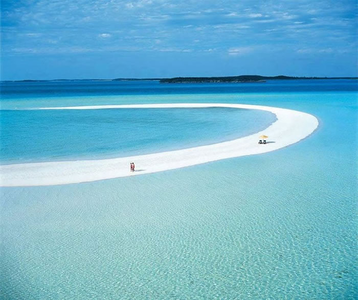 8-Places-To-Travel-Before-You-Die-Musha-Cay-Bahamas