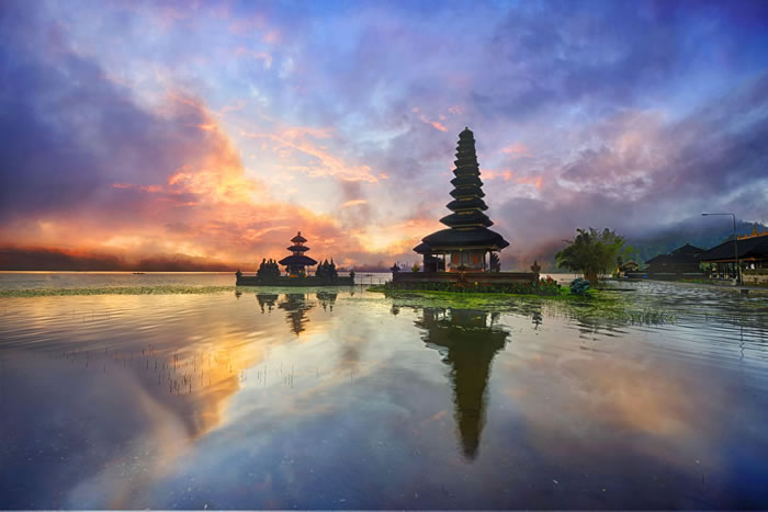 Ulun-Danu-Temple-Bali-Places-To-Travel-Before-You-Die-