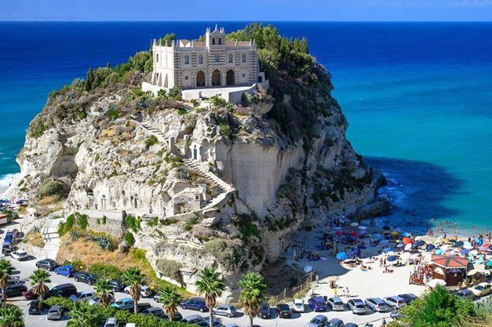 santa-maria-dellisola-church-tropea-calabria-italy-Places-To-Travel-Before-You-Die-