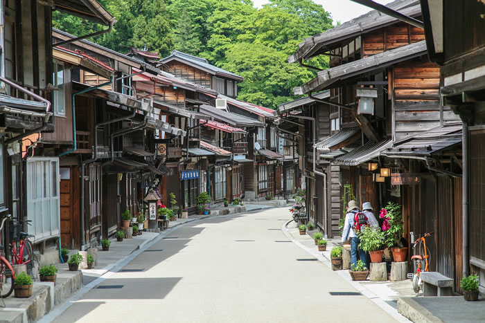 10-Picturesque-Streets-You-Should-Walk-Down-Before-You-Die-10