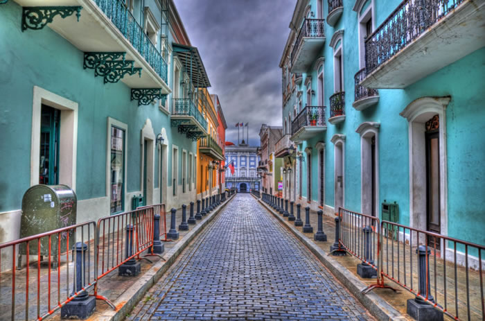 10-Picturesque-Streets-You-Should-Walk-Down-Before-You-Die-17