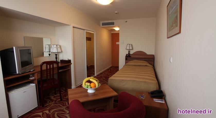 Ani Plaza Hotel_003