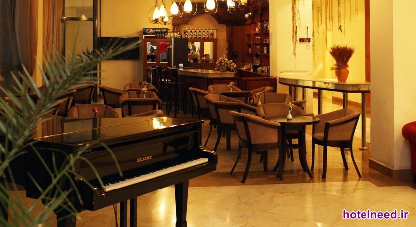 Ani Plaza Hotel_015