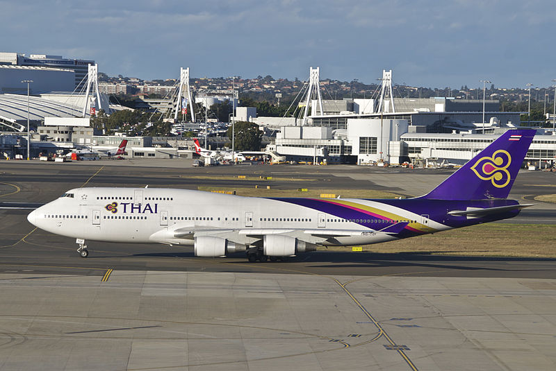 800px-thai_airways_boeing_747-400_hs-tgfsyd29-07-2012_664dp_8026268770